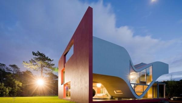 perspectiva casa arhitectura neconventionala