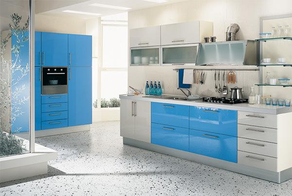 Kiwistudio idei de amenajare pentru bucatarii mici kiwistudio - White and blue in interior design an ideal combination ...