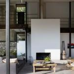Casa moderna construita pe ruinele unei foste ferme