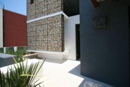 Casa cu piatra construita in stil contemporan