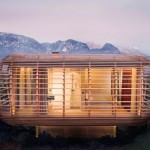 Casa modulara din lemn cu design futurist