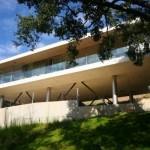 Arhitectura contemporana: casa suspendata