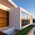 Arhitectura moderna iese in strada: casa-palnie cu fatade inselatoare