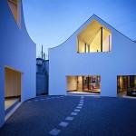Cand arhitectura rezolva o problema de spatiu: casa din 2 bucati