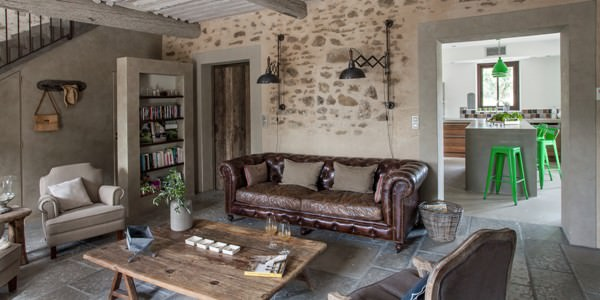 renovare in stil rustic pentru un fost hambar a la francaise kiwistudio. Black Bedroom Furniture Sets. Home Design Ideas