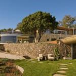 Casa cu forme curbe, design contemporan si tehnologii noi