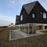 Casa plutitoare sau exemplu de constructie la malul marii