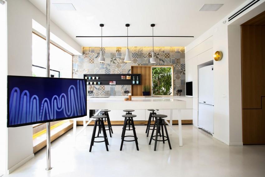 design interior apartament bucatarie alba