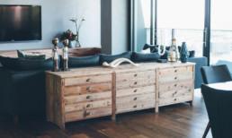 detalii de design comoda lemn living