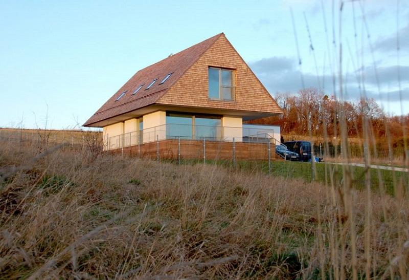 casa inalta sindrila arhitectura contemporana