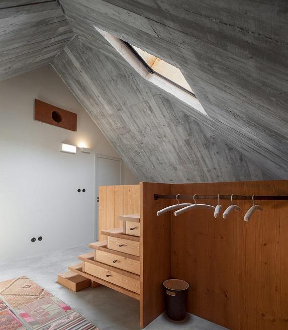 design interior beton aparent mansarda