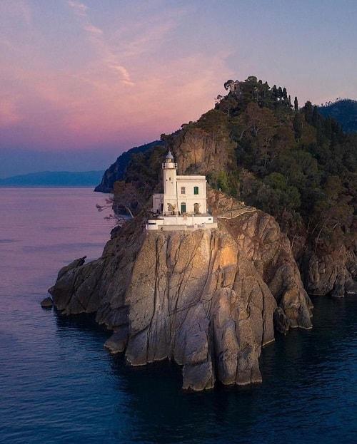 arhitectura din portofino italia farul din portofino