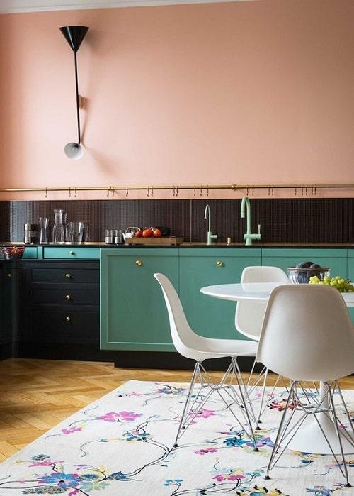 Design interior bucatarie turcoaz roz pal