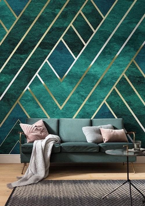 Tapet turcoaz cu auriu si canapea verde