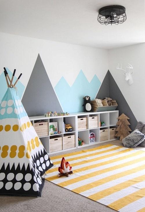 design interior camera copilului cu munti pictati si cort