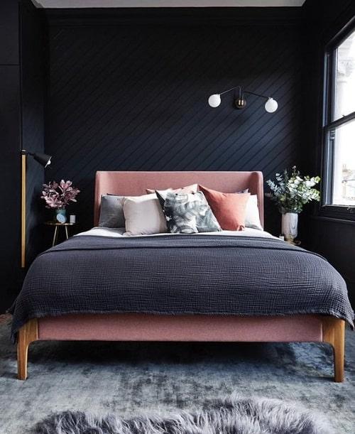 Dormitor negru cu roz